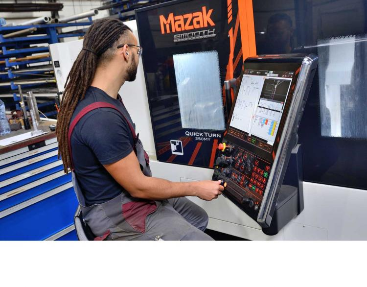 Feyter Industrial Services Mazak draaibank